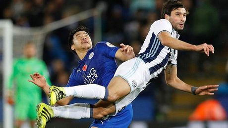 Chum anh: Nhung khoanh khac an tuong nhat vong 11 Premier League - Anh 10