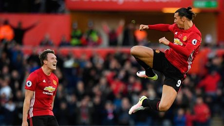 Chum anh: Nhung khoanh khac an tuong nhat vong 11 Premier League - Anh 1