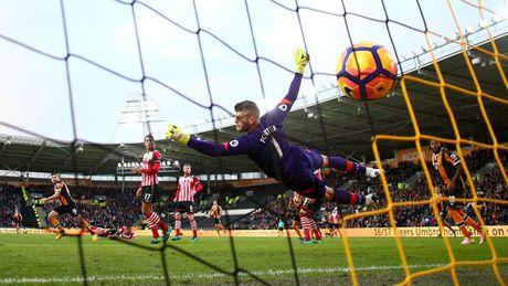 Chum anh: Nhung khoanh khac an tuong nhat vong 11 Premier League - Anh 7