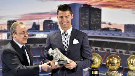 Nhung khoanh khac an tuong nhat cua Ronaldo trong mau ao Real - Anh 18