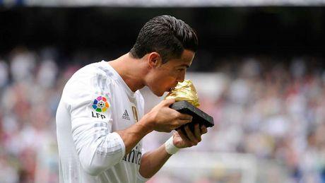 Nhung khoanh khac an tuong nhat cua Ronaldo trong mau ao Real - Anh 19