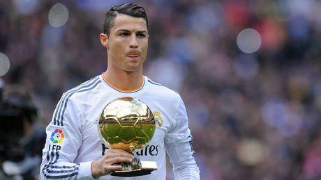 Nhung khoanh khac an tuong nhat cua Ronaldo trong mau ao Real - Anh 9