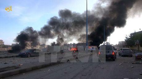 Syria: Lien quan khong kich toi tap vao cac muc tieu IS tai Raqqa - Anh 1