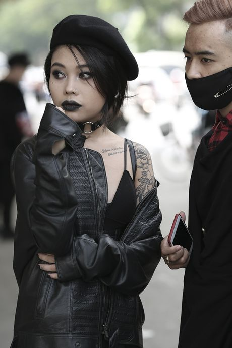 Hoang Thuy tao bao voi ao brallete ren ho bra day kheu goi - Anh 18