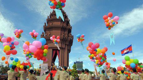 Dien mung Quoc khanh Vuong quoc Campuchia - Anh 1