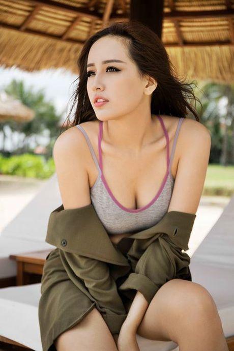 Mai Phuong Thuy khoe duong cong nong bong, vong 1 tron cang - Anh 2