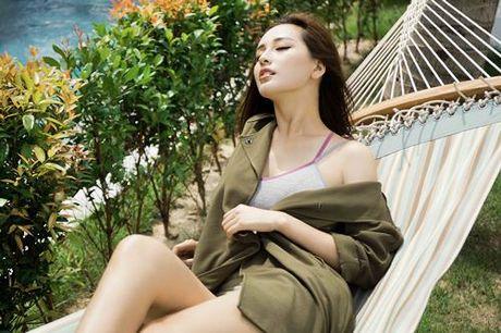 Mai Phuong Thuy khoe duong cong nong bong, vong 1 tron cang - Anh 5