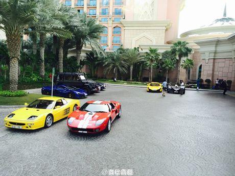 E kip phim Thanh Long pha nat sieu xe cua hoang tu Dubai - Anh 10