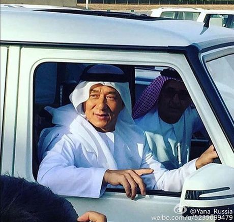 E kip phim Thanh Long pha nat sieu xe cua hoang tu Dubai - Anh 5