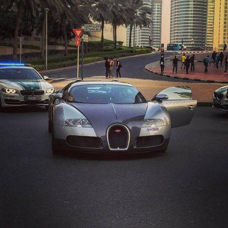 E kip phim Thanh Long pha nat sieu xe cua hoang tu Dubai - Anh 9