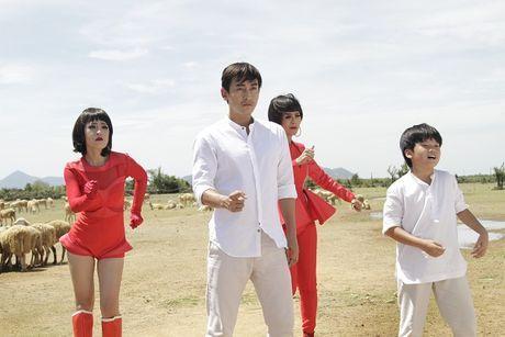 Diem My 9X lan dau hat nhac phim trong 'Chay di roi tinh' - Anh 2