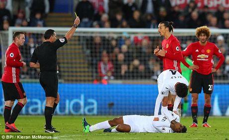 Lo tran dai chien voi Arsenal, Ibrahimovic xin loi nguoi ham mo MU - Anh 1