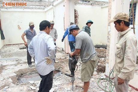 Ha Noi: Pha do nha 4 tang nghieng nhu thap Pisa - Anh 3