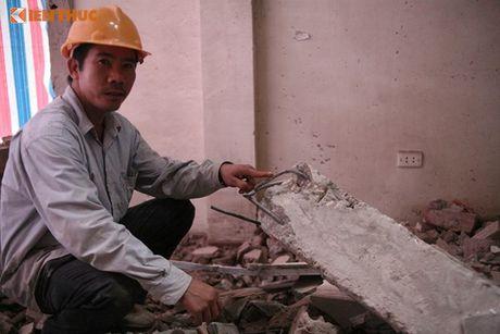 Ha Noi: Pha do nha 4 tang nghieng nhu thap Pisa - Anh 5