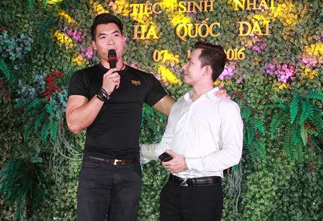 Ninh Hoang Ngan cao noi troi khi di ben chong dai gia - Anh 4