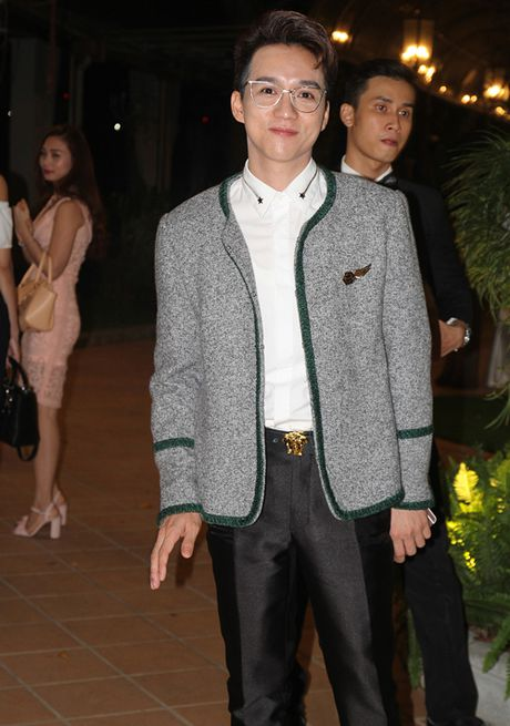 Ninh Hoang Ngan cao noi troi khi di ben chong dai gia - Anh 6