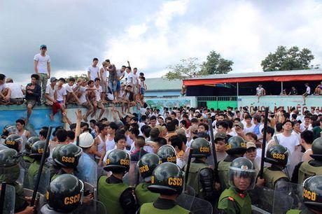 Bo truong Lao dong: 'Co so cai nghien qua tai vay ai ma chiu noi' - Anh 2