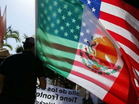 Mexico len ke hoach ung pho neu Donald Trump lam tong thong My - Anh 1