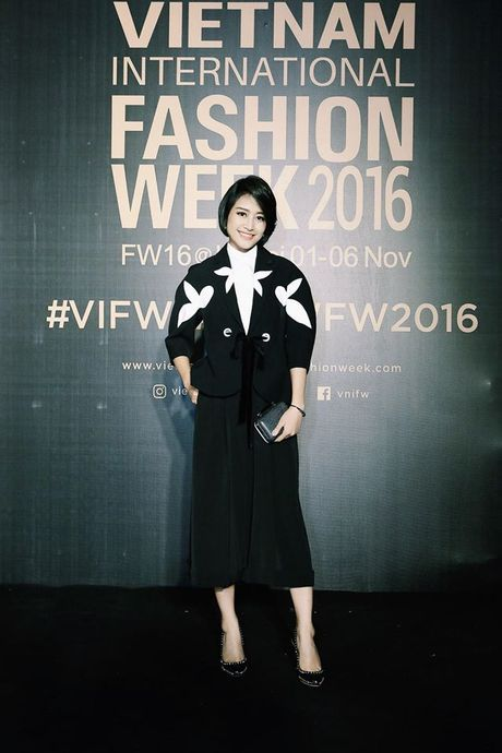 MC Phi Linh ca tinh, day bien hoa tai Vietnam International Fashion Week - Anh 8