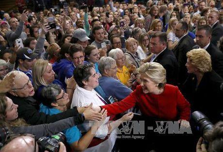 So nguoi tham gia cuoc van dong tranh cu cua ba Clinton cao ky luc - Anh 1