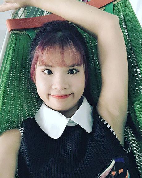 Sao Viet 8/11: Elly Tran ngoi xom an com hop, Sa Lim di choi voi 'tinh cu Midu' - Anh 5