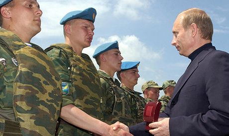 NATO dat 300.000 quan o muc bao dong cao vi lo xung dot voi Nga - Anh 2