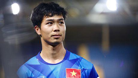 Cong Phuong la 'cua de danh' cua HLV Huu Thang truoc Indonesia - Anh 1