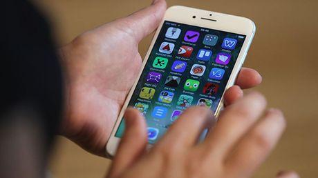 Apple iPhone 7 sap co mau sac moi day loi cuon - Anh 1