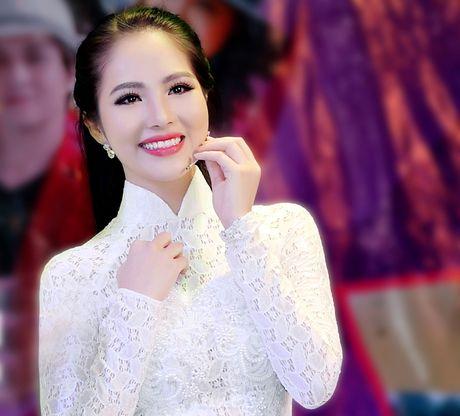 Duong Kim Anh dien ao dai, hat bolero 'ngot lim' - Anh 1