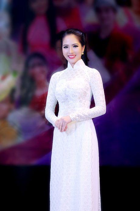 Duong Kim Anh dien ao dai, hat bolero 'ngot lim' - Anh 3