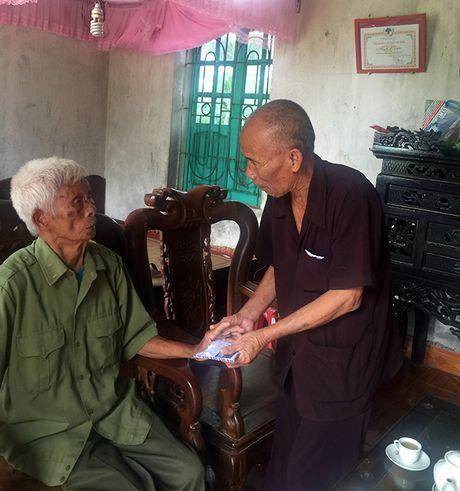 Nhung chuyen di cung cu ong U90 mang 2 ban an tu hinh oan - Anh 1