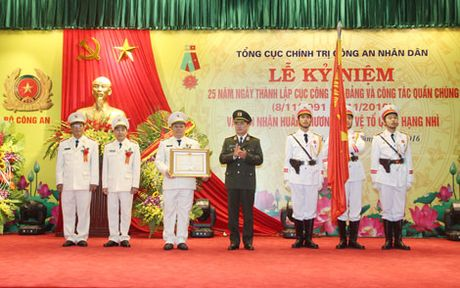 Cuc Cong tac dang va cong tac quan chung don nhan Huan chuong Bao ve To quoc hang Nhi - Anh 2