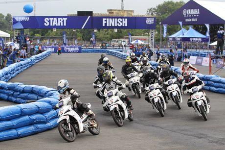 """Kich tinh den nget tho voi giai dua xe """"Yamaha GP Racing"""" - Anh 1"""