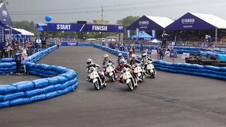 """Kich tinh den nget tho voi giai dua xe """"Yamaha GP Racing"""" - Anh 2"""