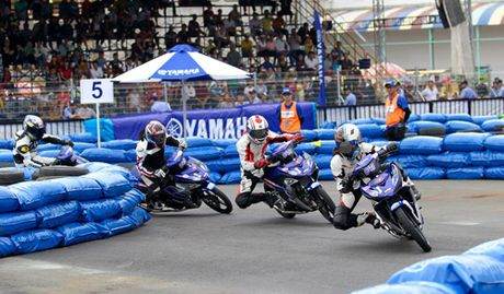 """Kich tinh den nget tho voi giai dua xe """"Yamaha GP Racing"""" - Anh 3"""
