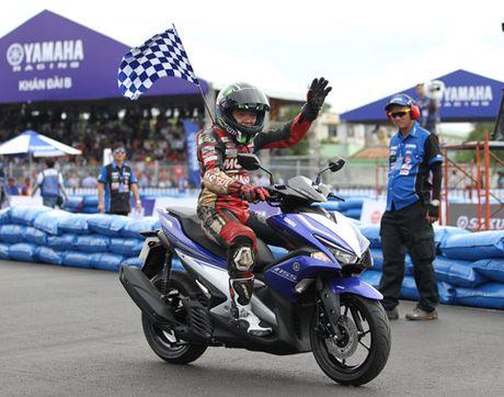 """Kich tinh den nget tho voi giai dua xe """"Yamaha GP Racing"""" - Anh 6"""