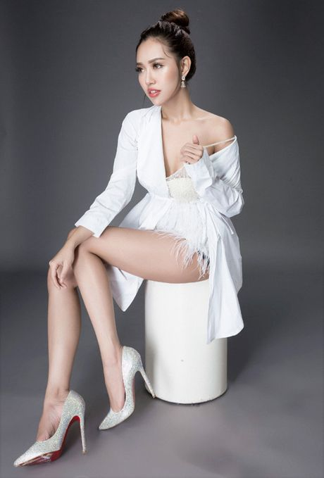 A hau Thuy Linh dep tinh khoi trong set do trang - Anh 10
