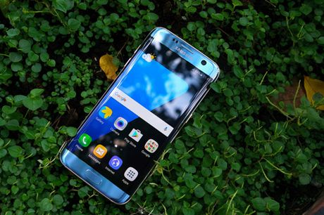 Galaxy S7 edge Xanh Coral - Ve dep tu su an nhien - Anh 6