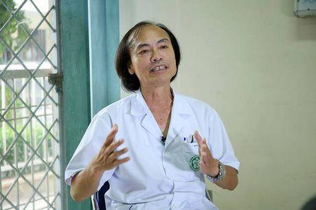 Lam dung vitamin C: Da chua dep thi co the da mac soi than - Anh 2