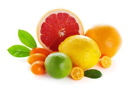 Lam dung vitamin C: Da chua dep thi co the da mac soi than - Anh 3