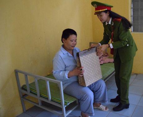 Doan Thanh nien Cong an Ha Noi dang len Bac nhung chien cong - Anh 4