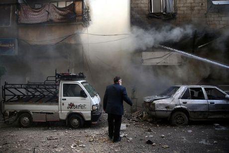 Thu do Damascus, Syria tan hoang sau nhung cuoc khong kich - Anh 2