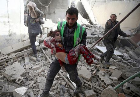 Thu do Damascus, Syria tan hoang sau nhung cuoc khong kich - Anh 4