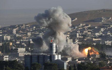 Syria: Lien quan My khong kich don dap muc tieu IS o Raqqa - Anh 1