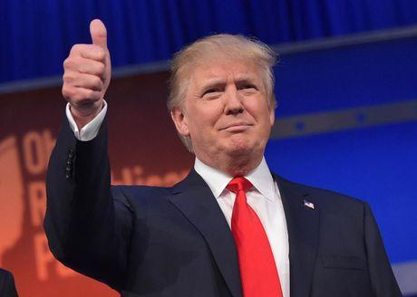 Bau cu Tong thong My: Chi thang 1/3 diem bo phieu, ong Trump van dan truoc ba Clinton - Anh 1