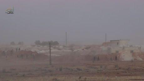 Phien quan Hoi giao tan cong quan doi Syria o Hama - Anh 1