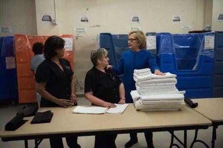 Ba Hillary Clinton tu tin vao chien thang: 'Viec chung ta lam moi chi thuc su bat dau' - Anh 4