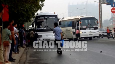 "Xe hop dong cho cong nhan Sam Sung: Nga ngua voi nghi an ""lach luat"" - Anh 1"