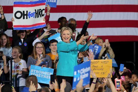 Hillary Clinton nam 90% kha nang chien thang truoc gio bau cu - Anh 1