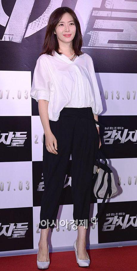 Phu nhan Choi Yoo Jin (The K2) cu tre dep the nay, bao sao YoonA (SNSD) bi lu mo - Anh 14